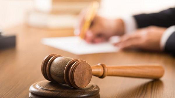 L'avvocato ha diritto di essere risarcito se il cliente gli fa causa senza motivo.