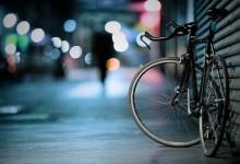 Niente sospensione della patente per chi causa un incidente alla guida di un velocipede.