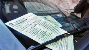 Codice della strada: annullabile la multa per generica contestazione dell'illecito