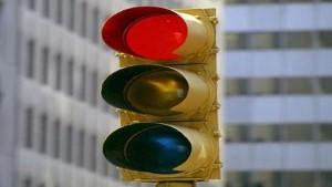 Cassazione. Scontro tra veicoli: chi passa con il rosso è il solo responsabile del sinistro