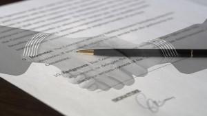 Promessa di pagamento e rinuncia alla dispensa dall'onere di provare il rapporto.