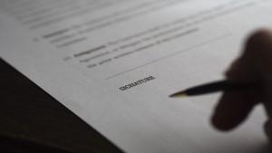Avviso di ricevimento privo di firma dell'agente postale: notifica inesistente