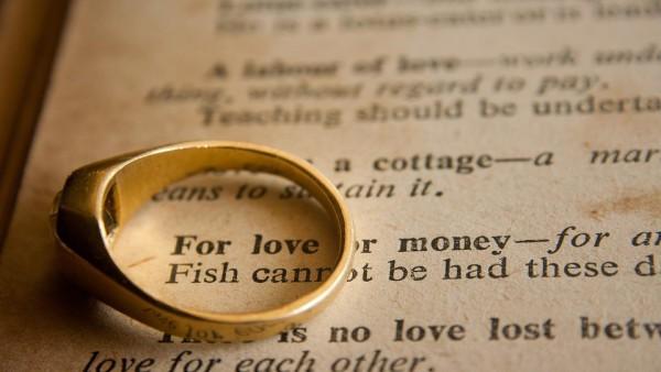 Divorzio: la famiglia di fatto, anche se cessata, esclude definitivamente il diritto dell'ex coniuge all'assegno.
