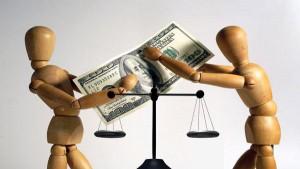 Assegno mantenimento: valido tra le parti l'accordo transattivo anche se il suo contenuto non è omologato dal giudice.