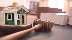 Quali diritti ha l'ex coniuge che ha contribuito alla costruzione dell'immobile su terreno dell'altro coniuge?