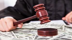 No alla revisione dell'assegno di divorzio se muta l' orientamento giurisprudenziale