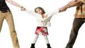Affido super esclusivo dei figli al padre per incapacità della madre a svolgere una funzione educativa