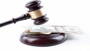 Decreto ingiuntivo provvisoriamente esecutivo viene revocato: conseguenze