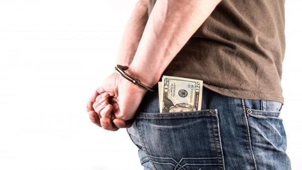 Nel reato di indebita restituzione dei conferimenti possibile concorso del socio.