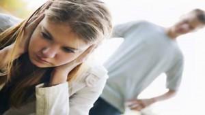 Violenza o minaccia non esauriscono il delitto di maltrattamenti in famiglia.