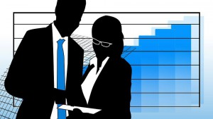 Valida la notifica di un atto al collega di studio dell'avvocato destinatario.