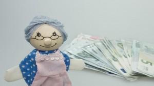 Nonni devono contribuire alle spese per le cure del nipote disabile se il genitore non adempie.